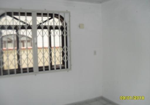 Casa de alvenaria no Jardim Iririu