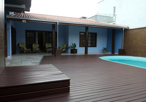 Casa de alvenaria no Saguaçu