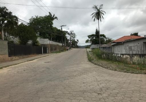 Terreno de esquina de 515m2, Jarivatuba